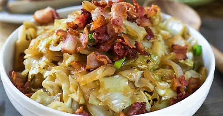sweet sour cabbage with bacon